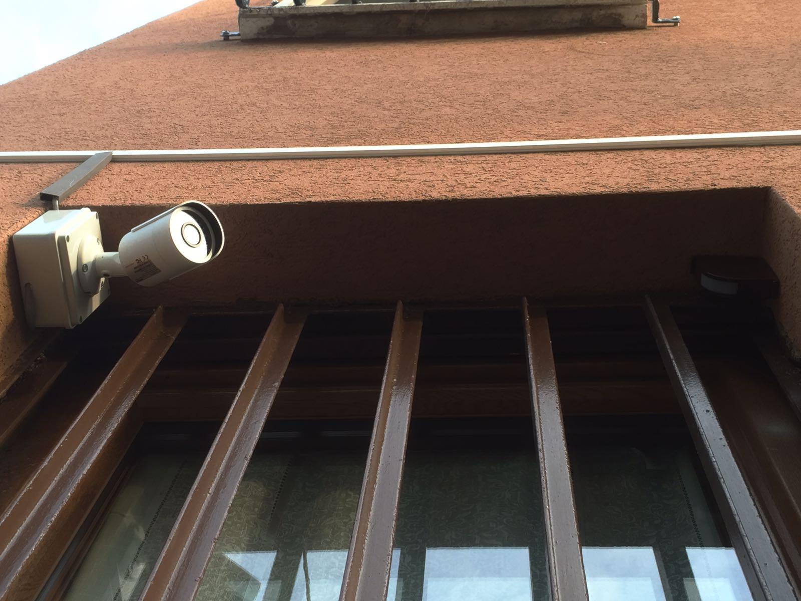 Allarme casa impianto di sicurezza d5 falcoalarm - Impianto di allarme casa ...